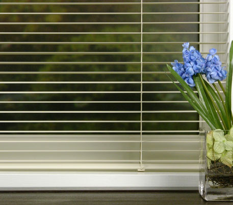 sunshine_interiors_mini_blinds