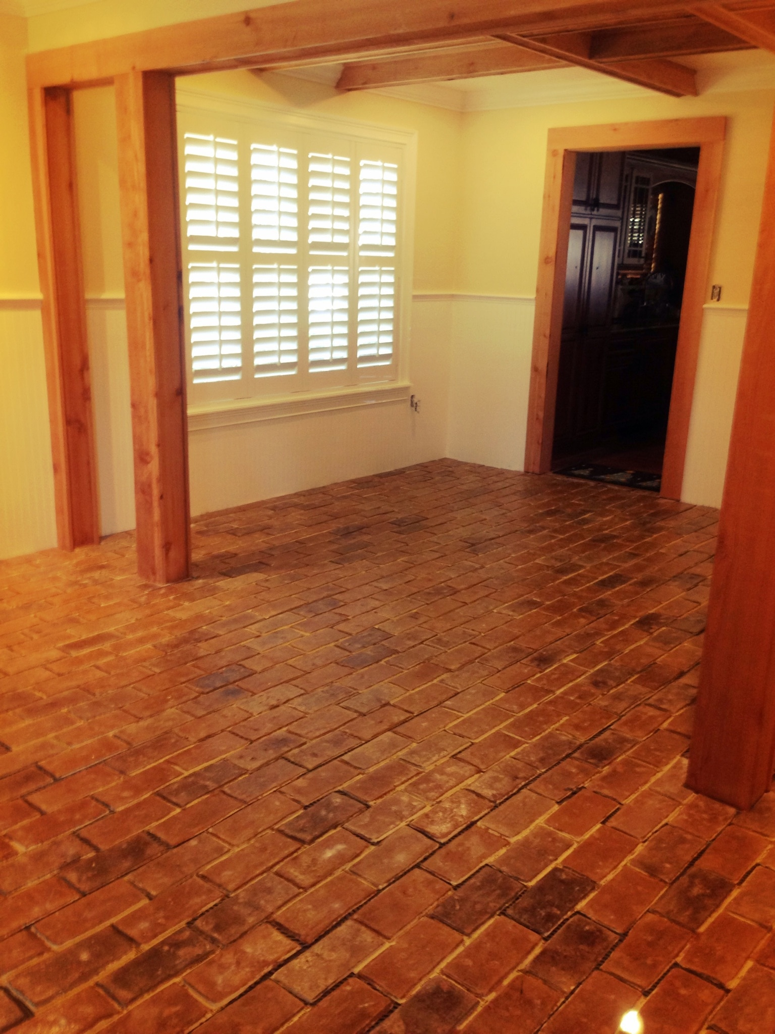 Laminate brick flooring gurus floor for Brick veneer floor
